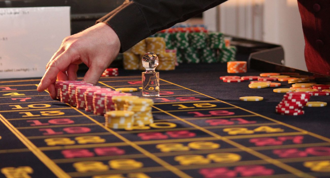 Wagering substitution gambling establishment Blackjack